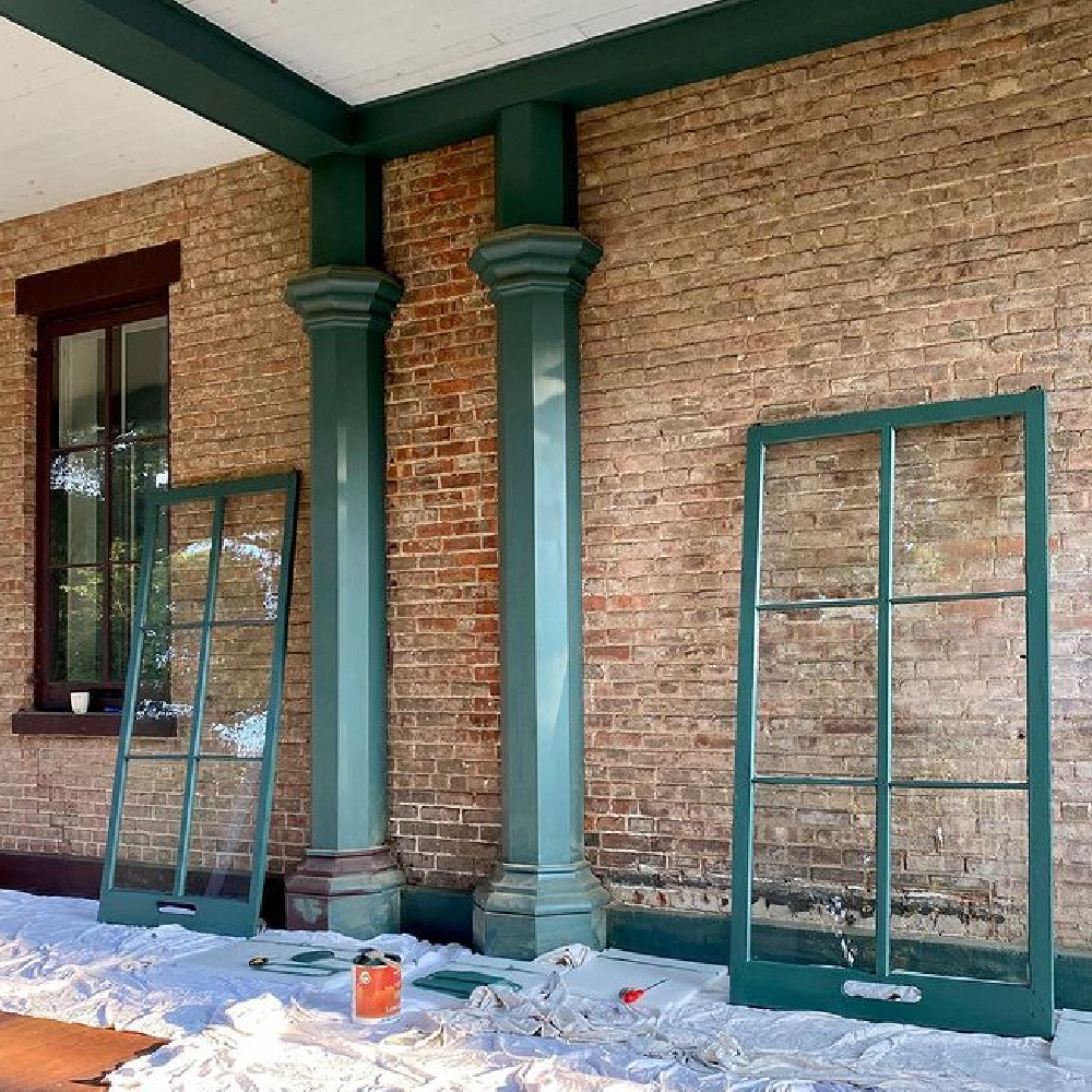 Tarrytown Green paint color (Benjamin Moore) on trim of a beautiful historic rick home - @rosshand1859. #tarrytowngreen #benjaminmooretarrytowngreen #paintcolors