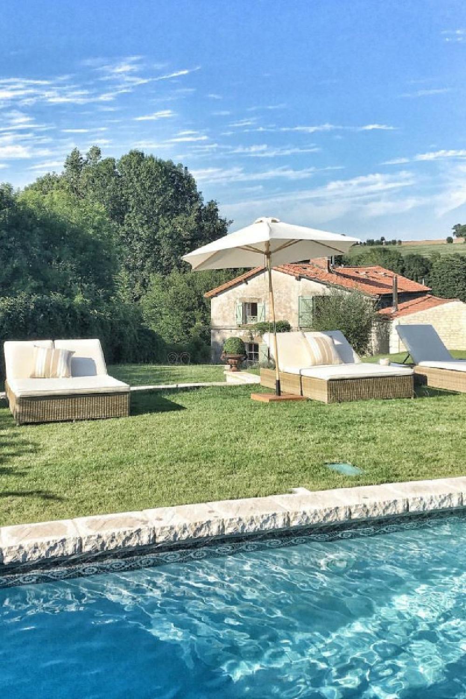 Pool area at a French farmhouse near Bordeaux - Vivi et Margot.